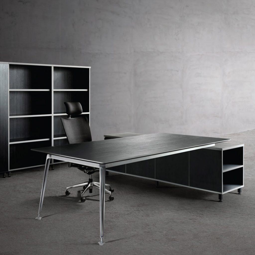 Relate Manager Desk