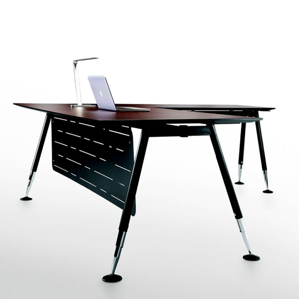 XL Manager Desk
